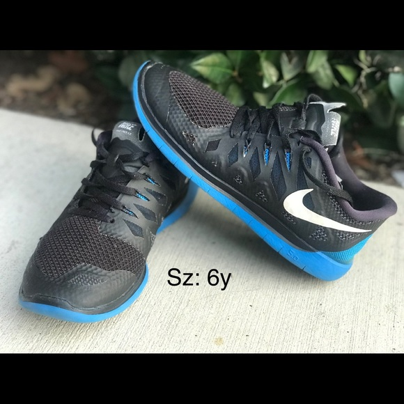 meet 4088f e772a Youth Nike Free 5.0 training shoes sz: 6y